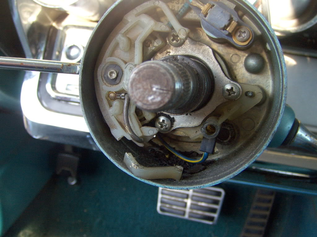 Steering Column Shifter Taking Flight Again 1964 Ford Neutral Safety Switch Getting The Wheel Off Reveals Turn Signal Mechanism Canceling Prong For One Direction